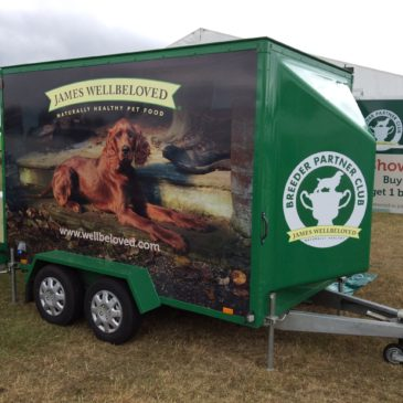 James Wellbeloveds new mini unit for there breeder show team