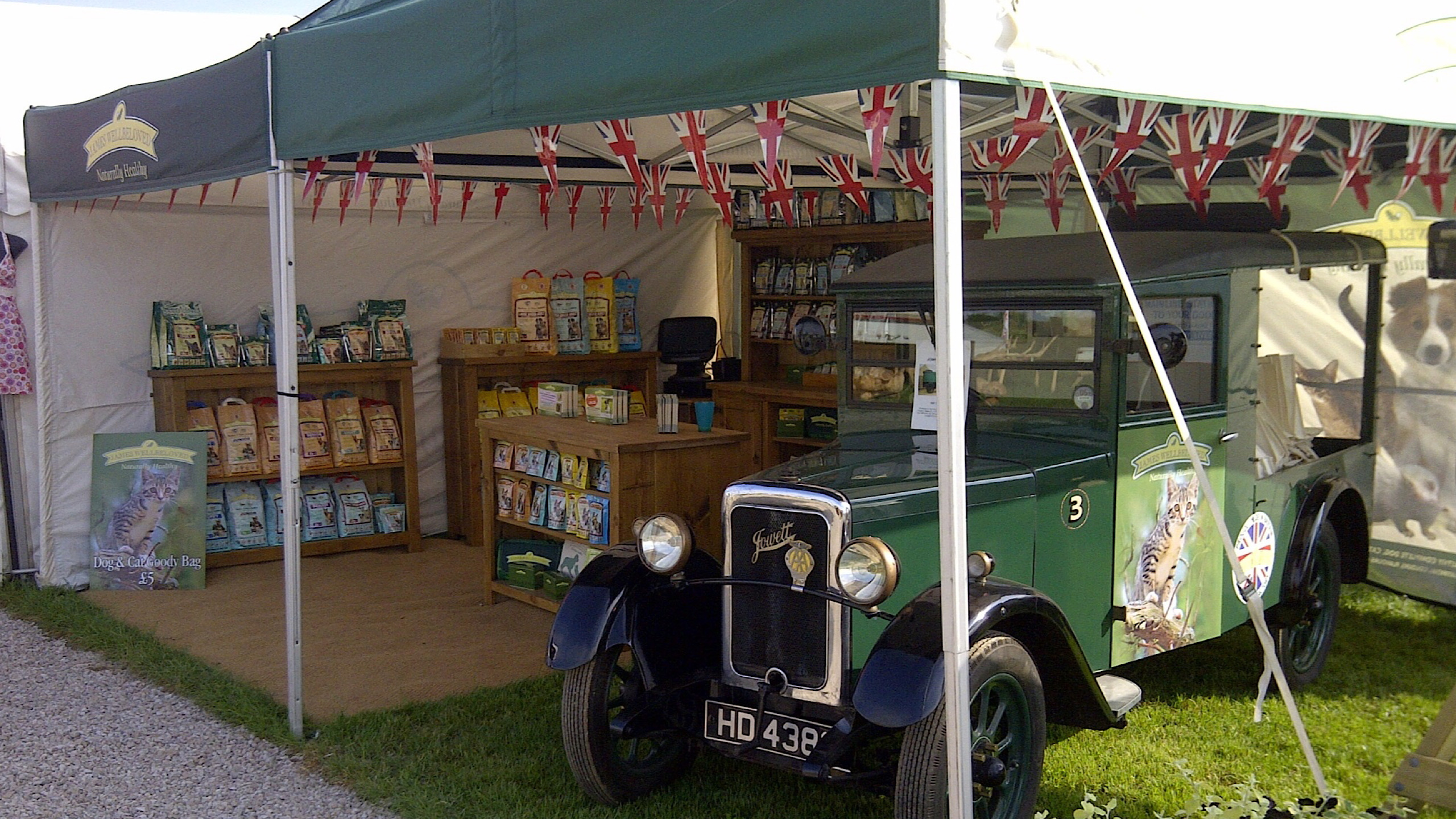 exhibition display vehicles refurbished vintage vehicles exhibitions