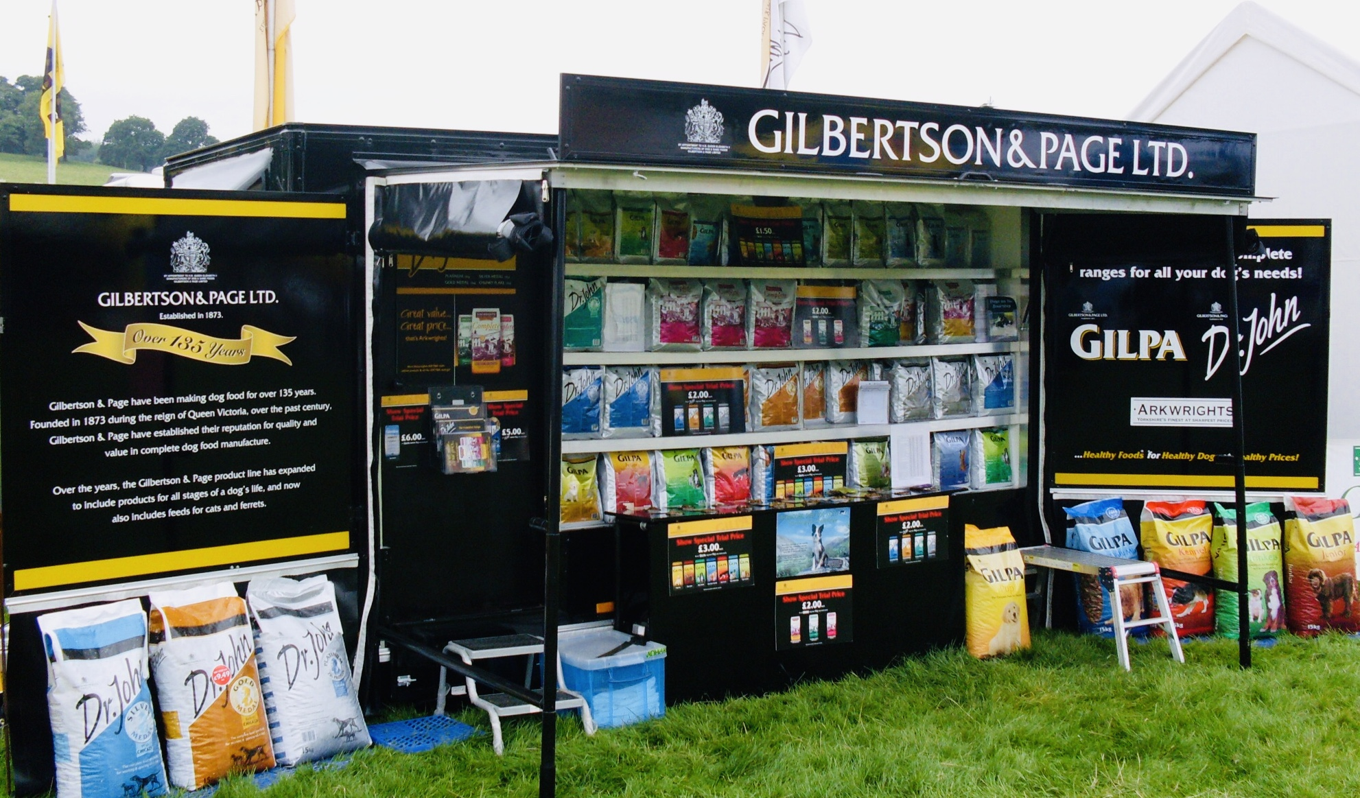 Contract exhibition services outdoor events